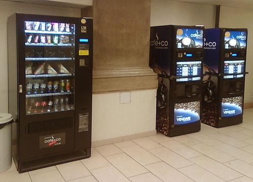 Automaten in der Garderobe der Hauptbibliothek