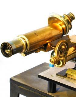 EhrenhaftMikroskop hoch.jpg